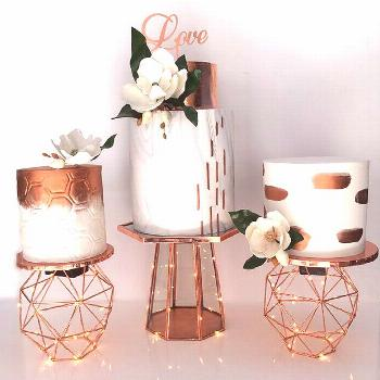 Shimmer Chic! 19 Copper and Rose Gold Wedding Cakes |